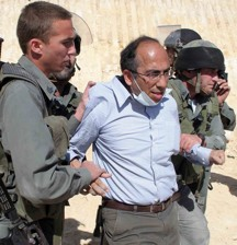 Qumsiyeh being arrested in Al-Walaja 6 May 2010